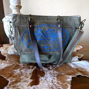 Vintage Addiction Messenger Bag Crossbody